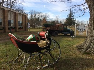 Antique sleigh & truck